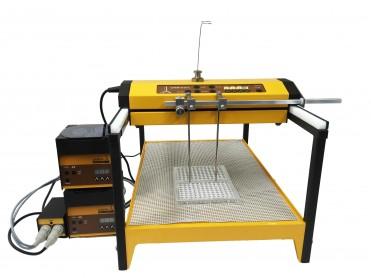 Le collecteur de fractions et échantillonneur OMNICOLL distribue des échantillons dans des microplaques à 96 puits à partir d'un fermenteur